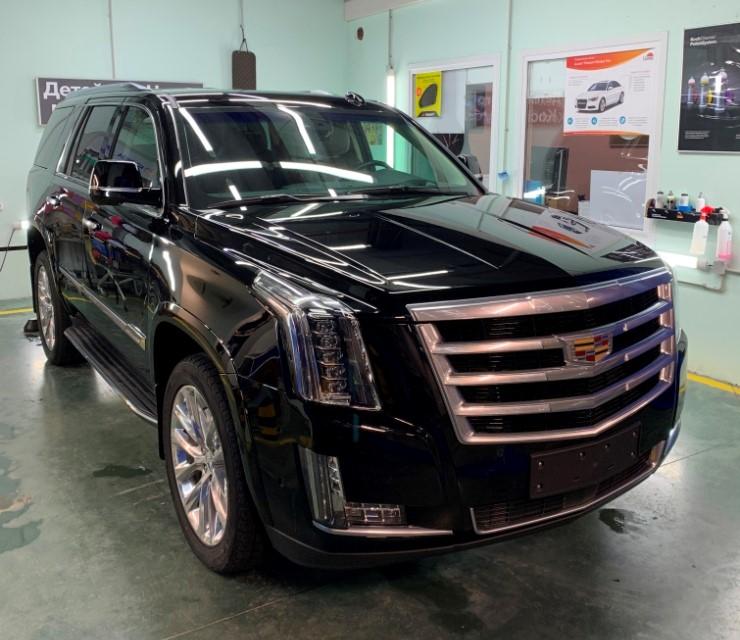 Cadillac Escalade 02