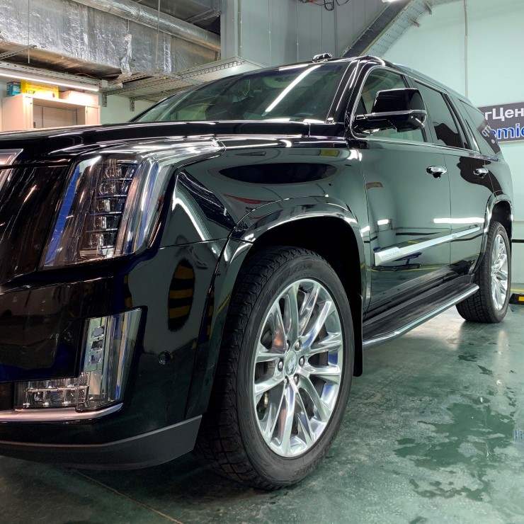 Cadillac Escalade 04